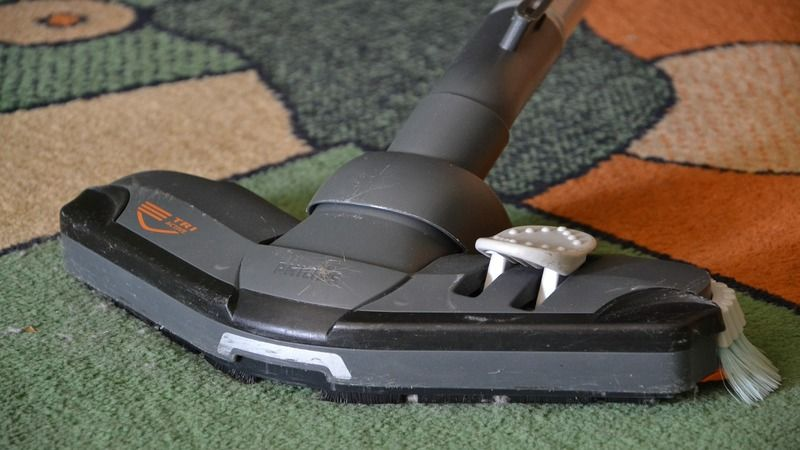 Use-the-Vacuum-to-Clean-your-Carpet